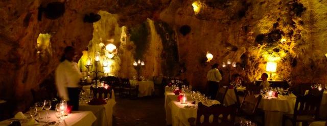 Ristorante in una caverna - Kenya