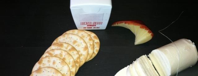 Filo interdentale per tagliare torte e formaggi
