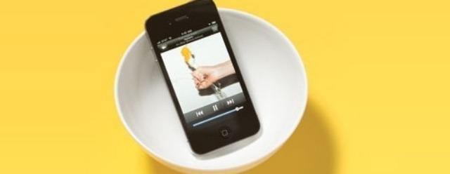 Volume amplificato dell'iPhone con una semplice ciotola