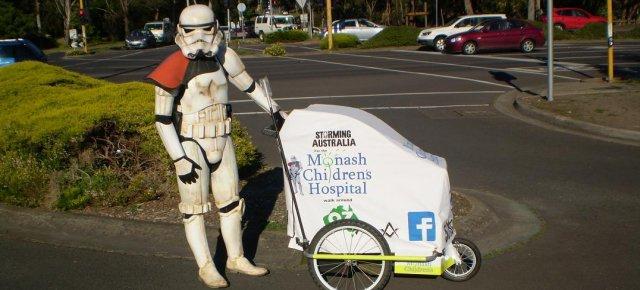 Stormtrooper raccoglie fondi per le strade