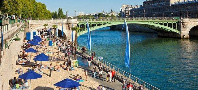 Anche Parigi adesso ha la sua spiaggia!