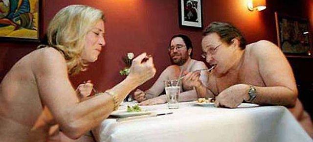 25.000 prenotazioni nel ristorante per nudisti