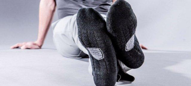 Contro la puzza di piedi: calzini al caffè!