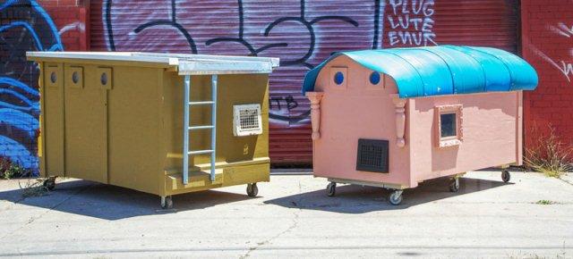 Trasforma la spazzatura in case per barboni