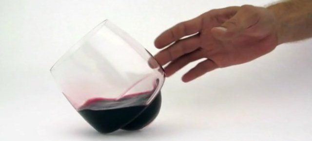 Il bicchiere che non si rovescia mai