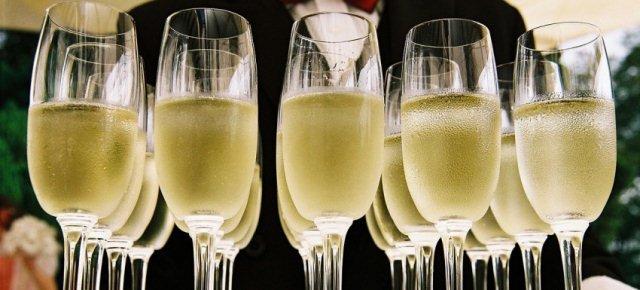 Quante bollicine ci sono in un bicchiere di spumante?