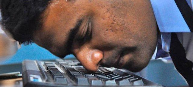 Record di scrittura col naso sulla tastiera