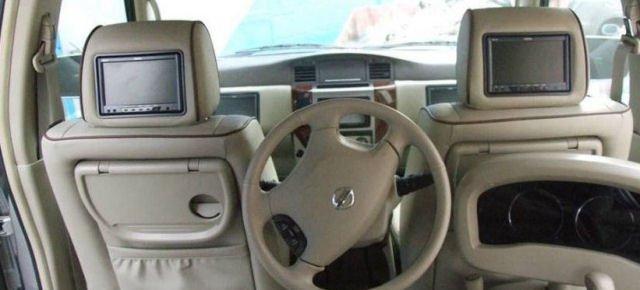 Posto guida sul sedile posteriore