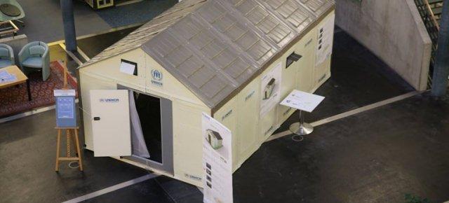 IKEA reinventa le tende per profughi