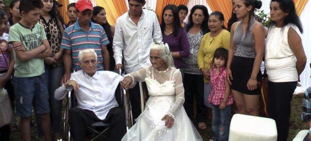 Si sposano dopo 80 anni di fidanzamento