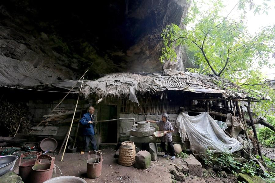 Coppia vive in una caverna per 54 anni 3