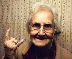 Donna 80enne molesta bagnino, denunciata