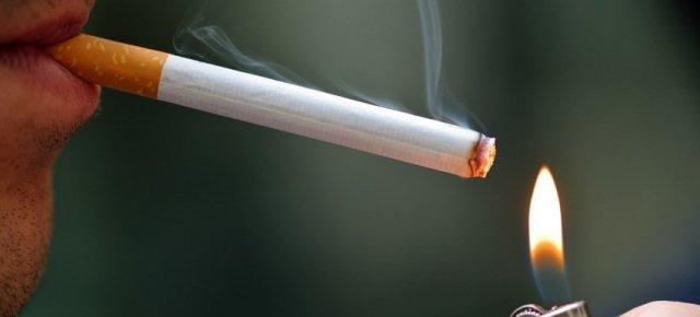 Sai che si può smettere di fumare dormendo?