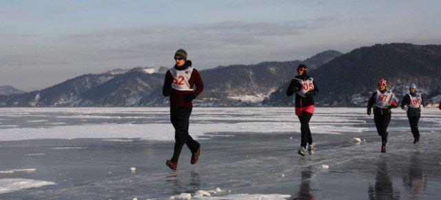 Una maratona su un lago ghiacciato