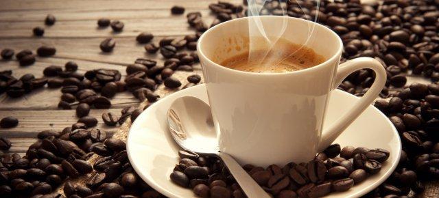 Il caffè dimezza il rischio di suicidio