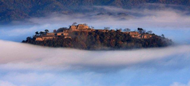 L'incredibile castello tra le nuvole