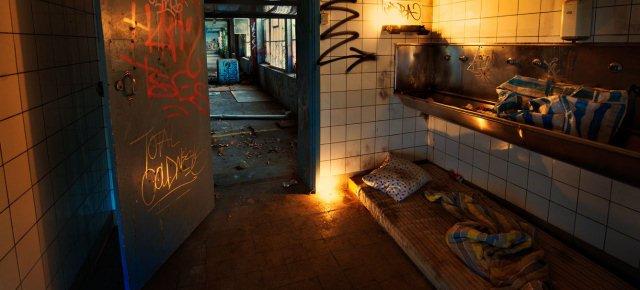 Hotel che vi fa dormire come dei senzatetto