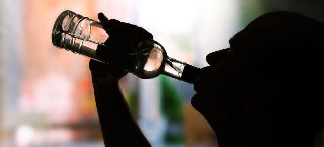 Bere alcolici rende più attraenti