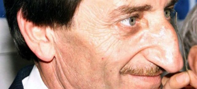 L'uomo col naso più grande al mondo