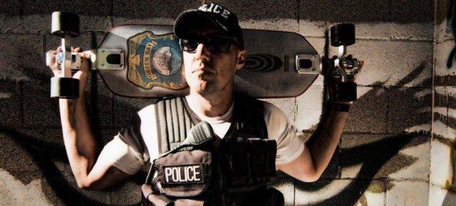 Joel, il primo poliziotto sullo skateboard