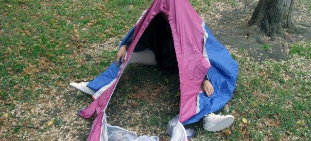 Le scarpe che si trasformano in tenda