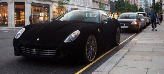 Ecco la Ferrari completamente in velluto