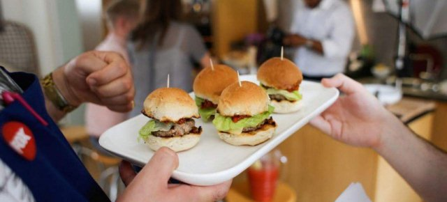 Gli hamburger al sapore di carne umana
