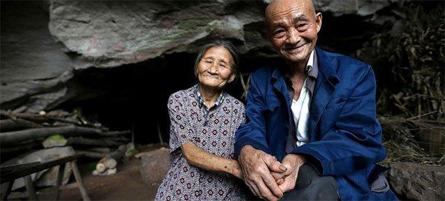 Coppia vive in una caverna per 54 anni