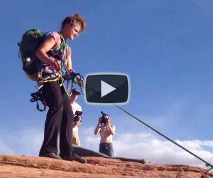 Incredibile salto dalla montagna