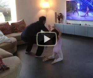 Inizia la coreografia in tv, ecco cosa fanno papà e figlia