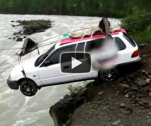 Portare auto sull'altra sponda del fiume
