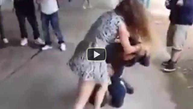 Una ragazza si vendica così di un bullo che la molestava