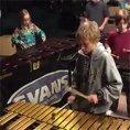 50 alunni iniziano a suonare i Led Zeppelin, ecco la loro esibizione