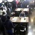 Russo continua a bere durante la rapina