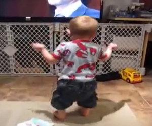 Balla con la sua canzone preferita