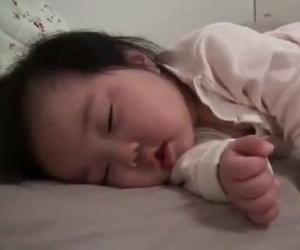 Bimba ha troppo sonno