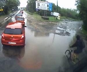 Brutta giornata per un ciclista