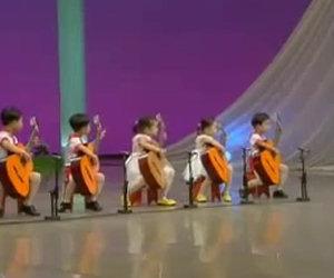 Cinque piccoli musicisti
