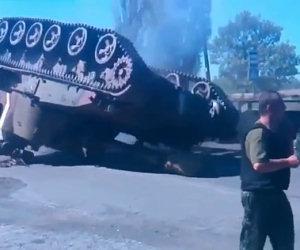 Ecco il modo in cui non andrebbe mai trasportato un carro armato