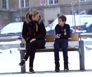 Commovente bimbo infreddolito ad Oslo