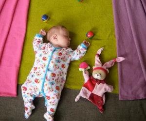 Ecco cosa fa questa mamma ogni volta che sua figlia dorme