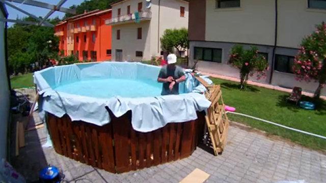 Ecco come costruire una piscina economica in pochissimo for Piscina fai da te