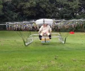 Lega insieme 54 mini droni e costruisce un elicottero