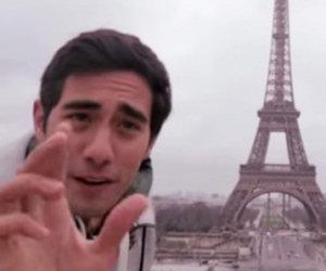 Guardate cosa fa questo geniale ragazzo con la Torre Eiffel
