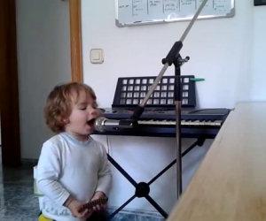 Ha 2 anni ed è il re del blues