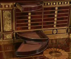Il più incredibile tavolo antico di sempre