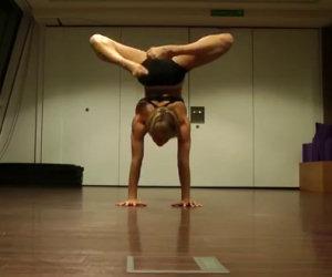 Inizia facendo yoga ma ciò che fa poco dopo ti lascerà senza parole