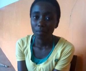Una ragazza africana inizia a cantare ed è più brava di una star