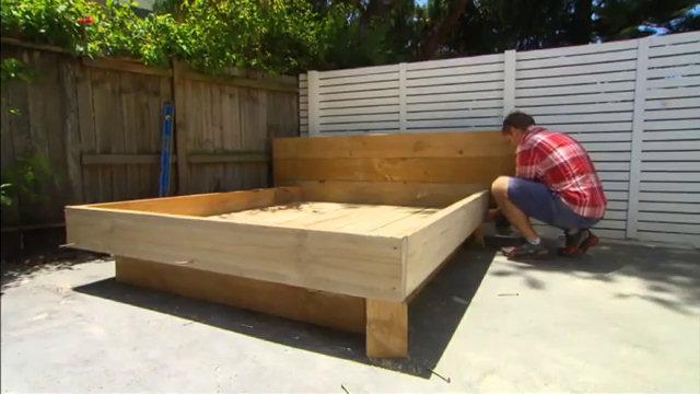 Costruire un letto costruire un letto a castello fai da - Costruire testata letto ...