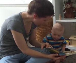 La mamma finisce di leggere la storia, ecco la reazione del bimbo